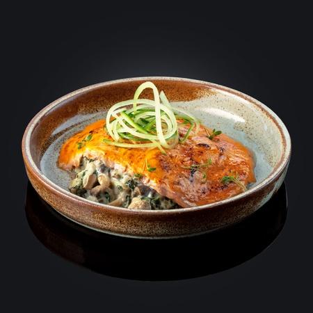 Грибной гратан с лососем